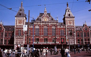 Amsterdam_centraal_front