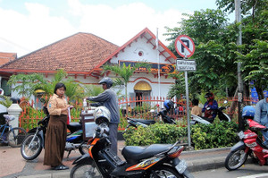 00_kantorpos_simpang_surabaya